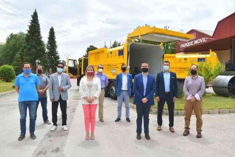 2 nuevos camiones recolectores-compactadores para la recogida selectiva de envases en Albacete