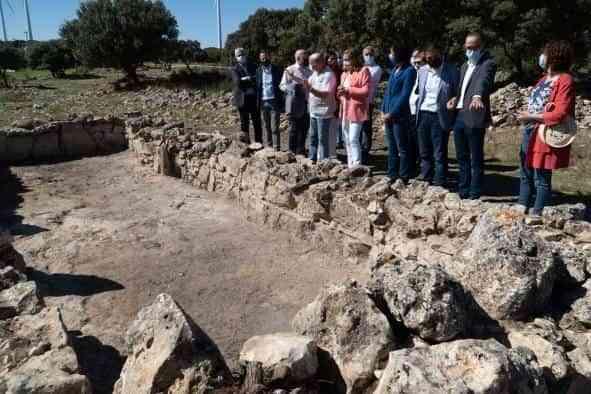 La Junta destaca el compromiso con la investigación arqueológica reflejado en descubrimientos como el de la mezquita del siglo XI hallada en 'La Graja'